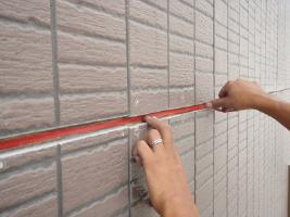 千葉県我孫子市U様邸の外壁塗装と屋根塗装工程:コーキング打ち替えの前処理