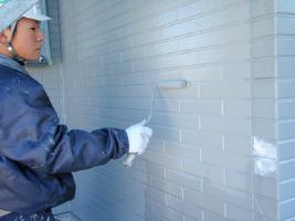 千葉県野田市I様邸の外壁塗装と屋根塗装工程:中塗り
