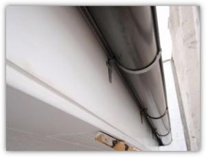 柏市の外壁塗装と屋根塗装の破風板の施工前写真