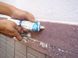 千葉県我孫子市U様邸の外壁塗装と屋根塗装工程:パテ補修