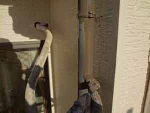 千葉県柏市M様邸の外壁塗装と屋根塗装工程:エアコンホースカバー