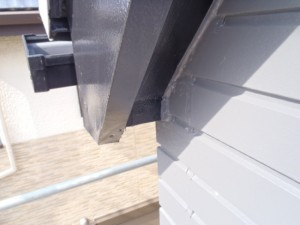 松戸市の外壁塗装と屋根塗装の軒天の施工後写真