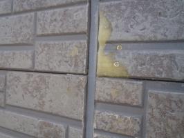 千葉県野田市K様邸の外壁塗装と屋根塗装工程:パネルのパテ補修