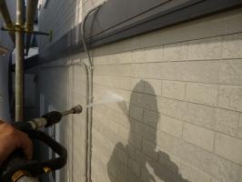 茨城県守谷市I様邸の外壁塗装と屋根塗装工程:高圧洗浄