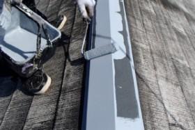 千葉県野田市K様邸の外壁塗装と屋根塗装工程:板金部下塗り