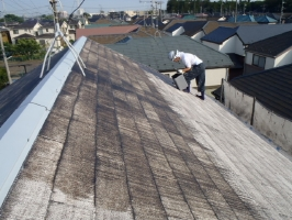 千葉県野田市K様邸の外壁塗装と屋根塗装工程:下塗り1回目(日本ペイント浸透造膜シーラー)