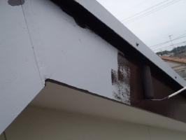 千葉県野田市K様邸の外壁塗装と屋根塗装工程:上塗り1回目(クリーンマイルドシリコン)
