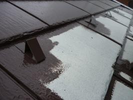 茨城県守谷市I様邸の外壁塗装と屋根塗装工程:上塗り(1回目)サーモアイSi