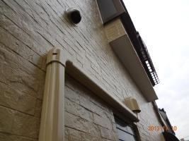 茨城県取手市H様邸の外壁塗装と屋根塗装工程:目地のコーキングの打ち替え(ならし)