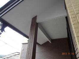 茨城県取手市H様邸の外壁塗装と屋根塗装工程:軒天の状態