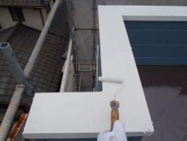 千葉県柏市O様邸の外壁塗装と屋根塗装工程:上塗り2回目(1液ファインシリコンセラUV)