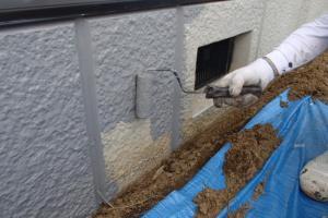 千葉県成田市M様邸の外壁塗装と屋根塗装工程:上塗り1回目(アートフレッッシュ)