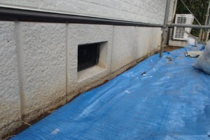成田市の外壁塗装と屋根塗装の基礎の施工前写真