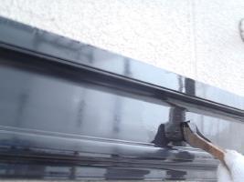 茨城県取手市K様邸の外壁塗装と屋根塗装工程:上塗り2回目(ファインシリコンフレッシュ)