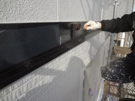 千葉県柏市O様邸の外壁塗装と屋根塗装工程:上塗り1回目(ファインシリコンフレッシュ)