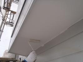 千葉県柏市O様邸の外壁塗装と屋根塗装工程:上塗り1回目(ケンエースGⅡ)