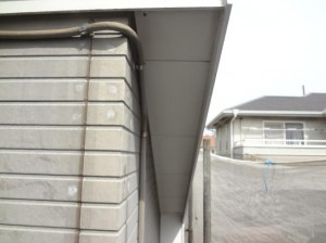 柏市の外壁塗装と屋根塗装の軒天の施工前写真