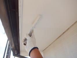 茨城県つくばみらい市N様邸の外壁塗装と屋根塗装工程:上塗り2回目(ケンエースGⅡ)