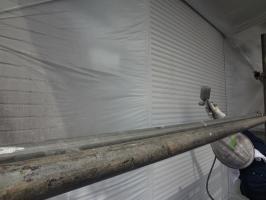 千葉県柏市N様邸の外壁塗装と屋根塗装工程:上塗り(2回目)クリーンマイルドシリコン