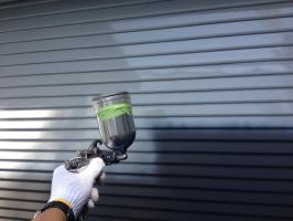千葉県柏市M様邸の外壁塗装と屋根塗装工程:下塗り(ファインプライマー)