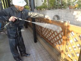 千葉県柏市N様邸の外壁塗装と屋根塗装工程:高圧洗浄
