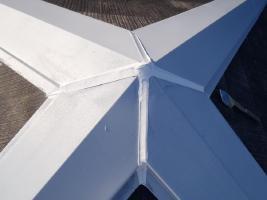 千葉県松戸市の屋根塗装工程の棟包みのコーキング